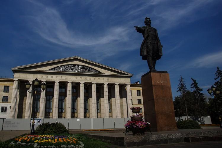 Площадь Кирова — одна из основных достопримечательностей на Безымянке
