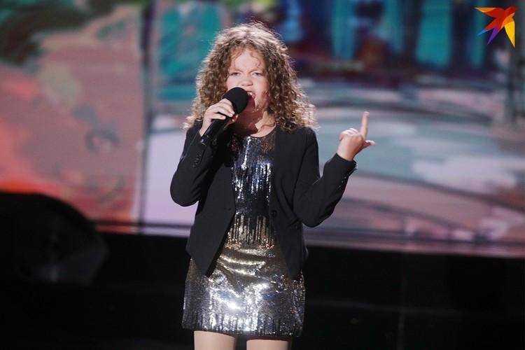 Алиса Голомысова приятно поразила зрителей вокалом и артистическим талантом.