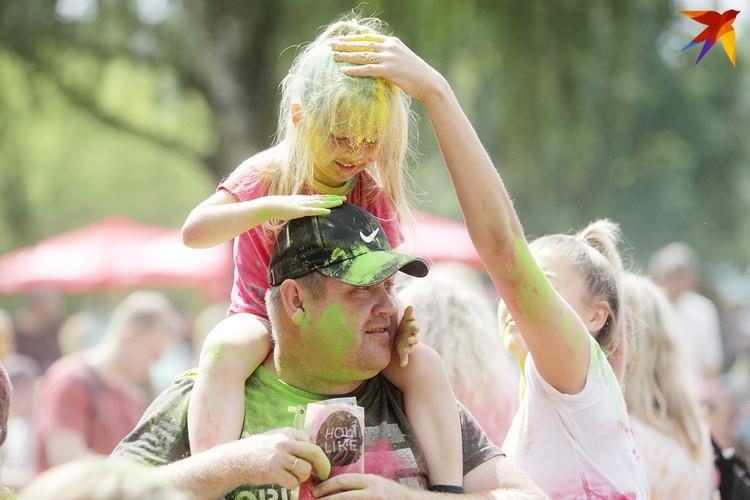 Дети в восторге от фестиваля.