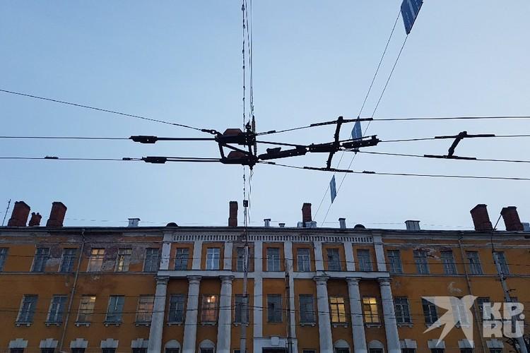 На полную замену всей контактной сети понадобится по приблизительным подсчетам более одного миллиарда рублей.