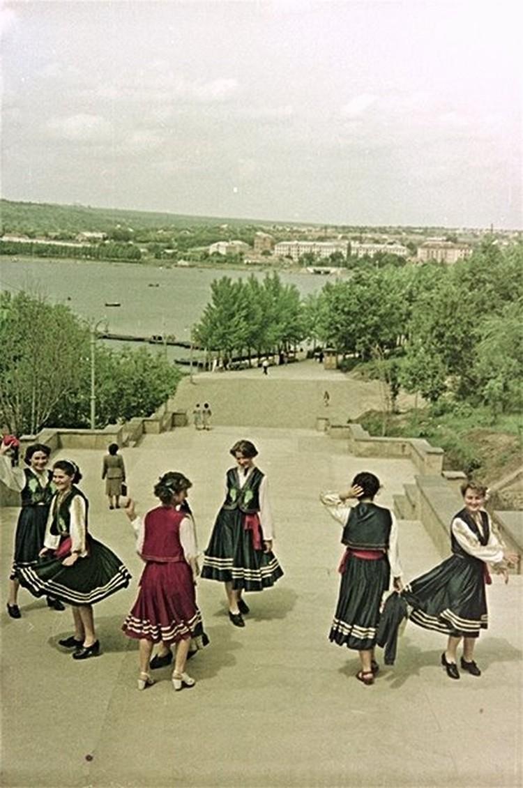 На главной лестнице парка, 1960-е