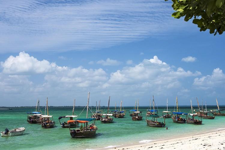 Занзибар – целый архипелаг из 75 островов. Большинство из них необитаемые.