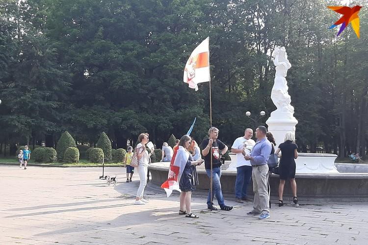 В Барановичах для агитации городские власти выделили площадки в так называемом молодом парке - это практически центр города.
