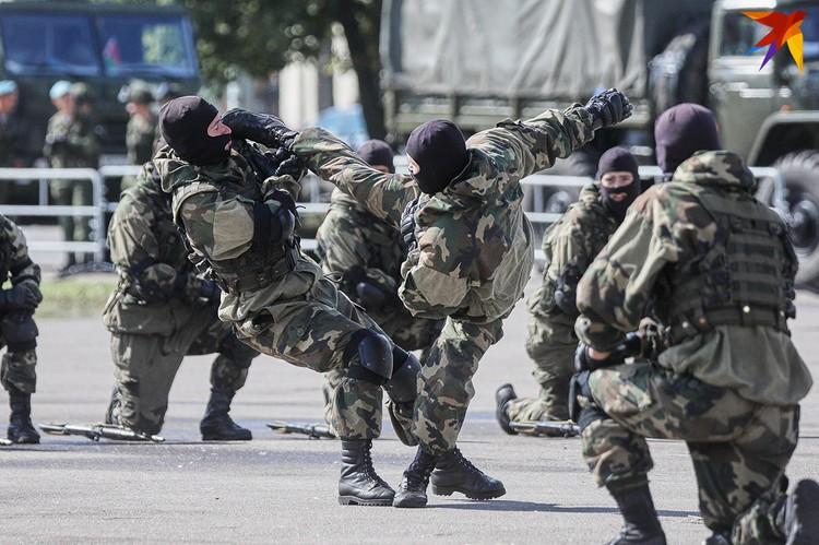 Празднование Дня десантника в Минске.