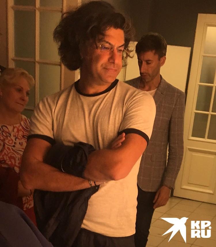 """Приехав в Клин, он первым делом осмотрел новую выставку """"Ч+Ч"""", посвященную Чайковскому и Чехову."""