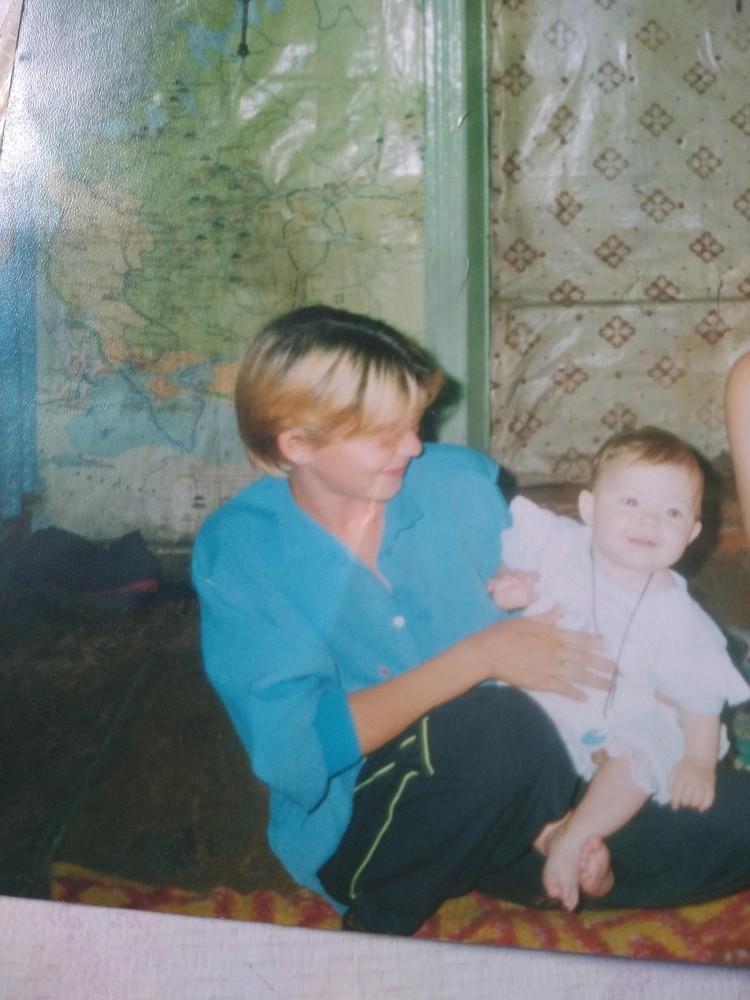 20 июля 2001 года, на фото Олеся с Танюшей Фото: личный архив