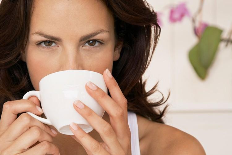 Правильно заваренный чай в микроволновке может быть не менее вкусным.