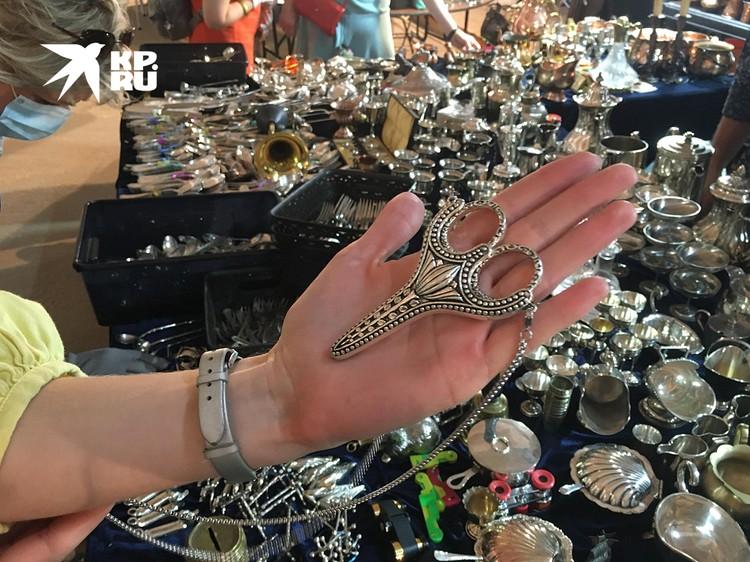 Маникюрные ножницы из Бельгии - чрезвычайно острые (цена - 4 тысячи рублей)