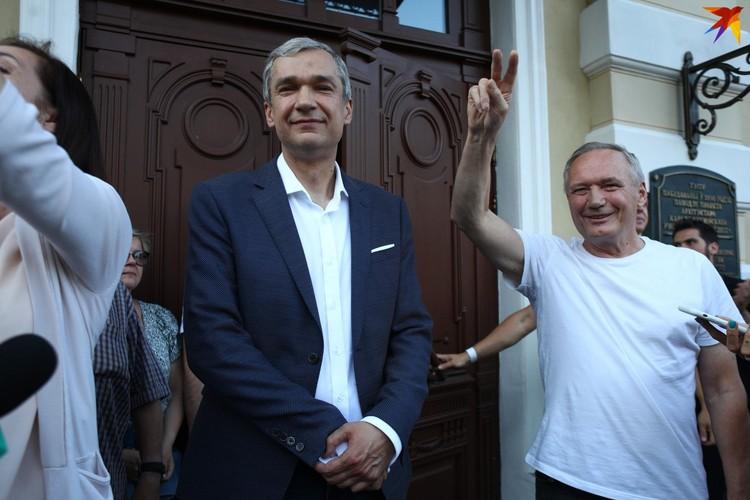 Поддержать Латушко пришел Владимир Некляев.