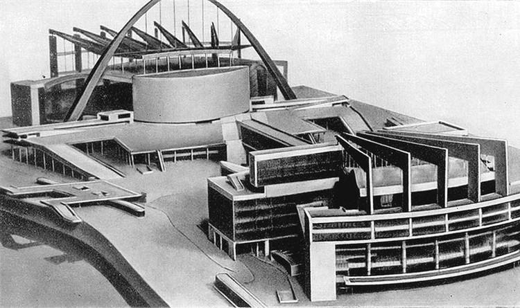 Мэтр мировой архитектуры Ле Корбюзье предлагал для Москвы такой дворец. Фото: corbusier.totalarch.com