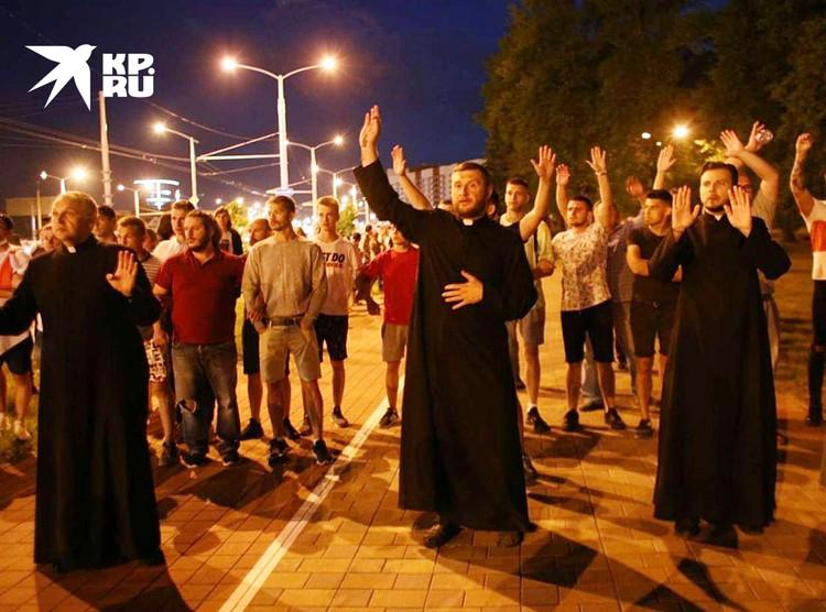 Священники тоже уже втянуты в протест