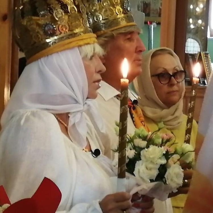 13 июля пара венчалась в Крыму. Рядом с Юрием Фирсовым мама Валентины Легкоступовой