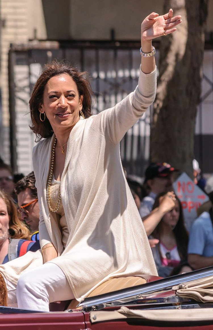 Камала Харрис на гей-параде в Сан-Франциско, 2013 г.