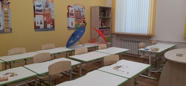 В этой школе учат и английскому, и даже китайскому