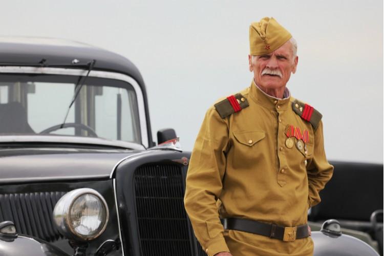 Желающие посмотрели историческую реконструкцию одного из эпизодов Великой Отечественной войны