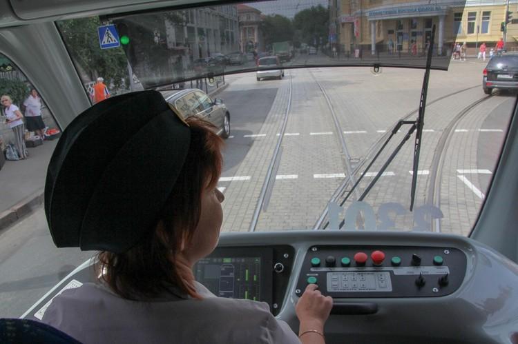 Для водителя стоит система климат-контроля, что немаловажно в жаркий период