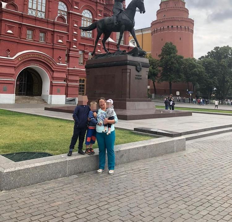 Наталью могут лишить родительских прав на троих мальчишек. Фото: Предоставлено Анной Тажеевой