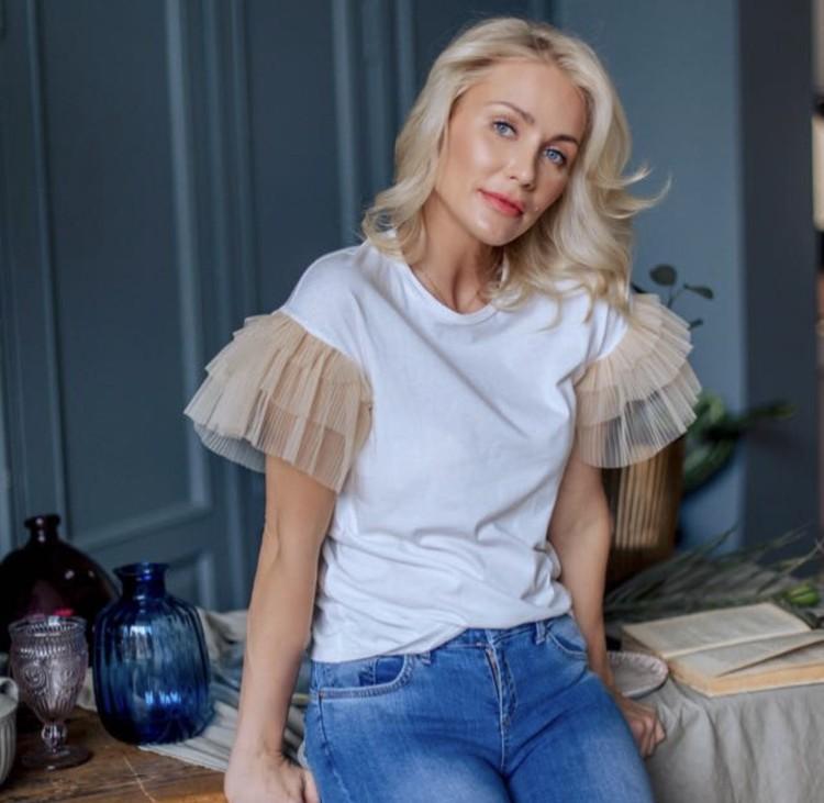 Адвокат Костенко Екатерина Гордон опровергла в разговоре с kp.ru эти вести. Мол, никакого конфликта у супругов нет, это лишь технический момент.