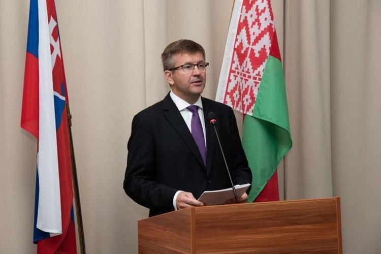 Игорь Лещеня находился на дипломатической службе 29 лет, в свое время был помощником президента Беларуси. Фото: slovakia.mfa.gov.by