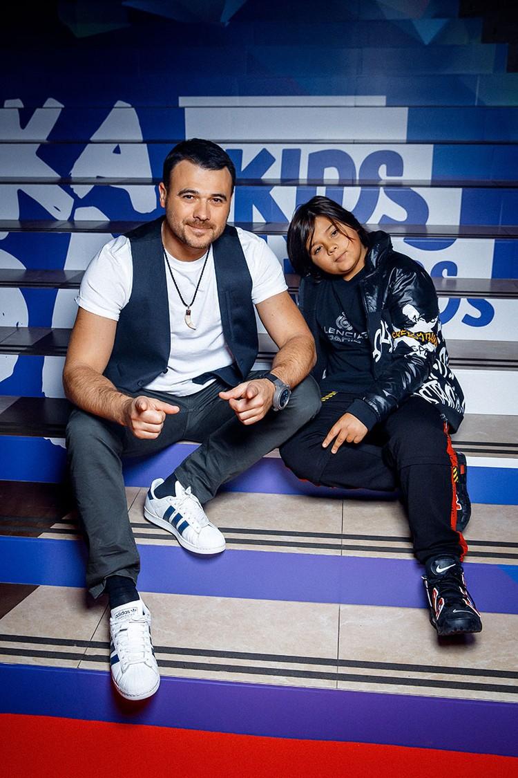 Эмин с сыном Али. Фото: пресс-служба «Жара»