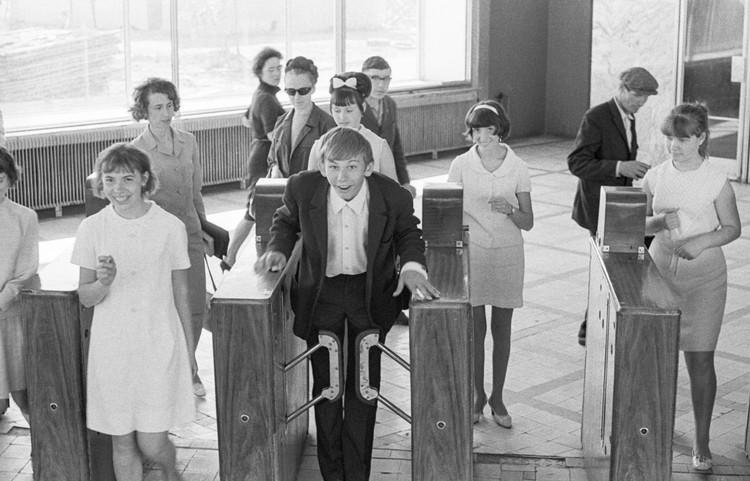 Турникеты 1968 года. Фотохроника ТАСС.