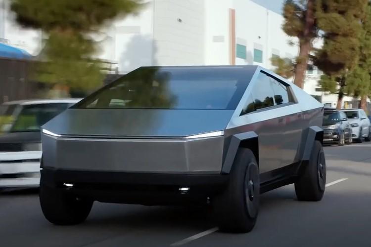 Автомобильный бизнес «Теслы» базируется на трех технологических инновациях, которым прочат славное завтра: собственно электрический двигатель, аккумуляторы ультра-длительного использования и беспилотное вождение.