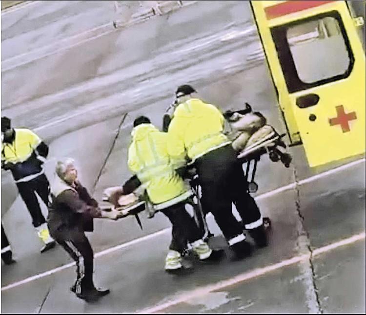 Политику стало плохо на рейсе Томск - Москва, самолет совершил экстренную посадку.