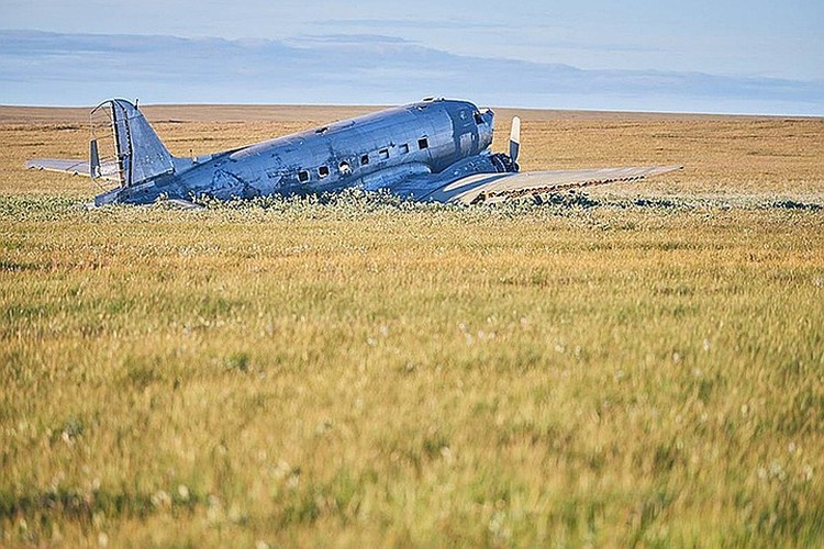 """А так выглядит другой американский самолет, прибывший к нам по ленд-лизу - """"Дуглас"""". """"Бостон"""" похож на него. Фото: Красноярское краевое отделение РГО"""