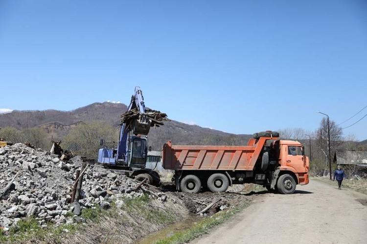 «Мусорная» реформа в регионе в самом разгаре, уже ликвидировали большую часть свалок. Фото: sakhalin.gov.ru