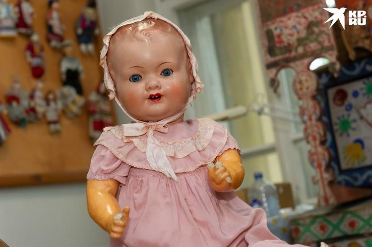 Валентине досталась трофейная кукла