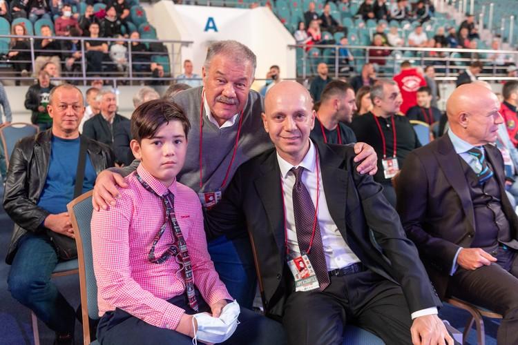 Андрей Кобзон с Мишей, внуком Иосифа Давыдовича.