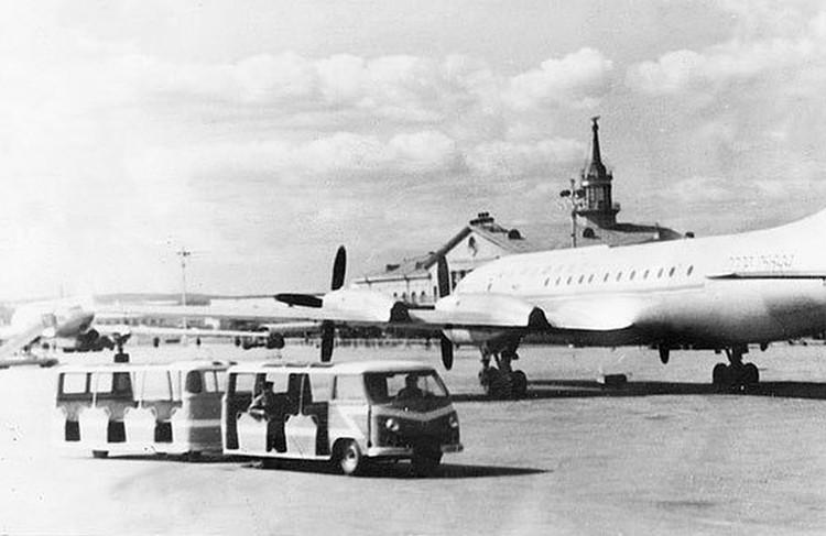 Часть пассажиров разбившегося судна смогла самостоятельно добраться до аэропорта.Архивный снимок аэропорта «Кольцово». Фото: Госархив