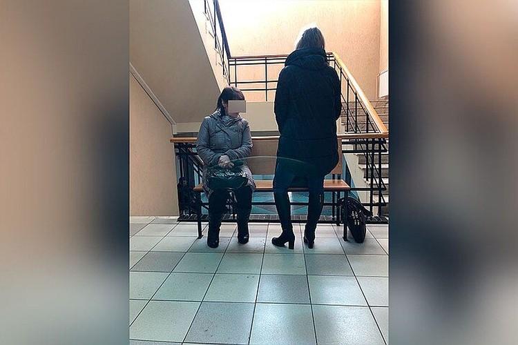 На судах свидетели говорили, что над малышкой из Александровки издевались и мать (на фото справа), и бабушка (на фото слева), но обе они остались на свободе. Фото: предоставлено волонтерами