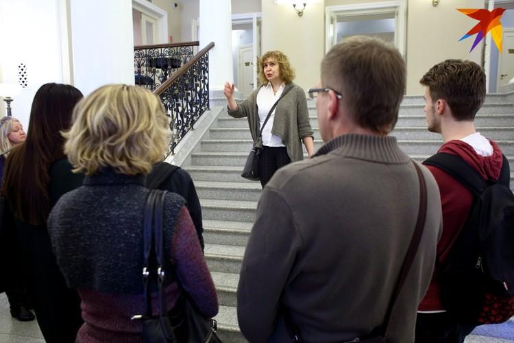 Ольга Бобкова была заведующей литературно-драматической части театра. Вместе с десятками коллег Ольга забрала трудовую книжку