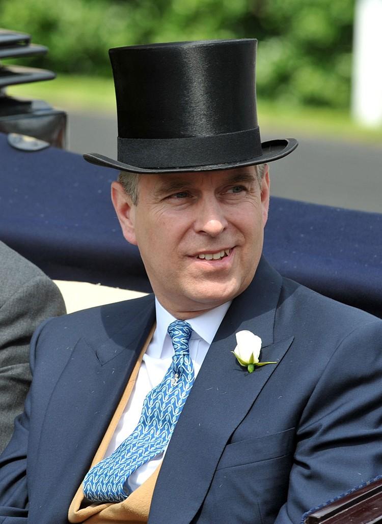 Репутацию герцога Йоркского серьезно подорвали подозрения в его причастности к делу миллиардера-педофила