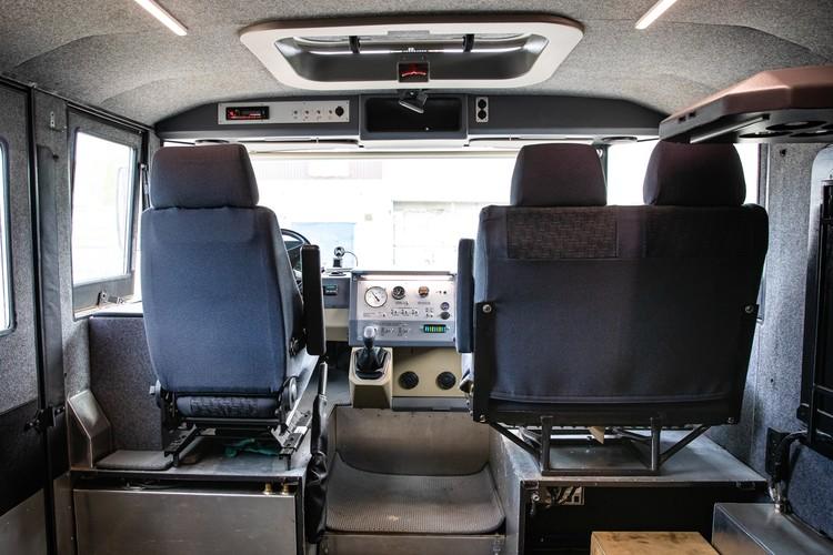 В экспедиционной комплектации машина рассчитана на перевозку до 15 человек. Фото: Алексей Китаев