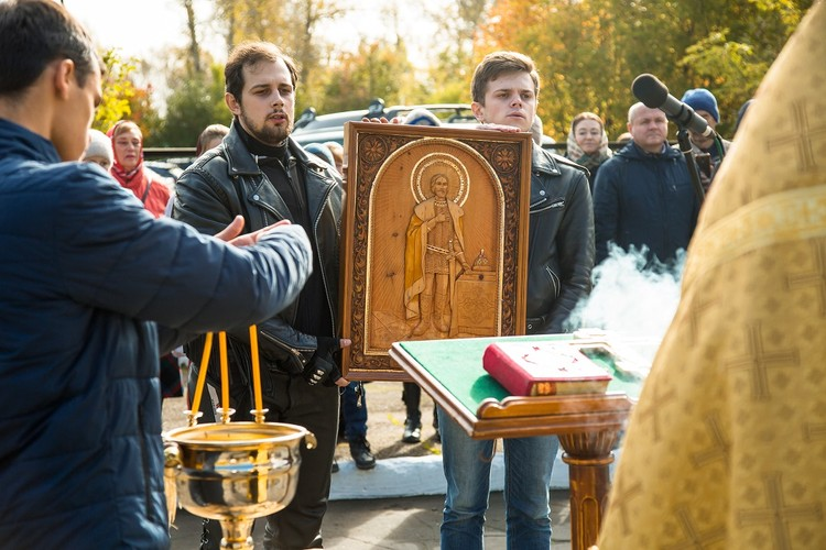 Икона святого благоверного князя Александра Невского с мощевиком. Фото: Ксения ОСАДЧАЯ