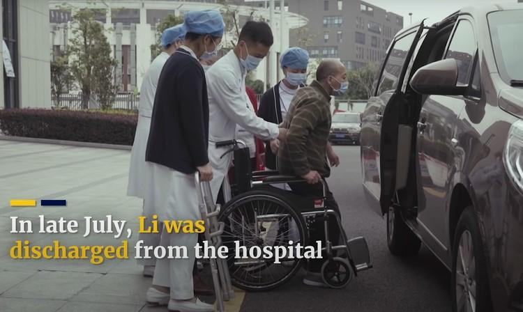 Спустя год после начала лечения Ли Хуа выписали из госпиталя.