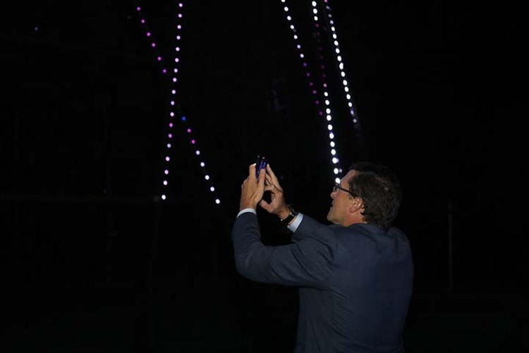 Светодиодную подсветку установили на башне. ФОТО: Александр Воложанин