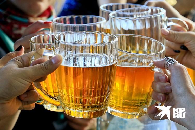 Пива россияне пьют в 7 раз больше, чем вина.