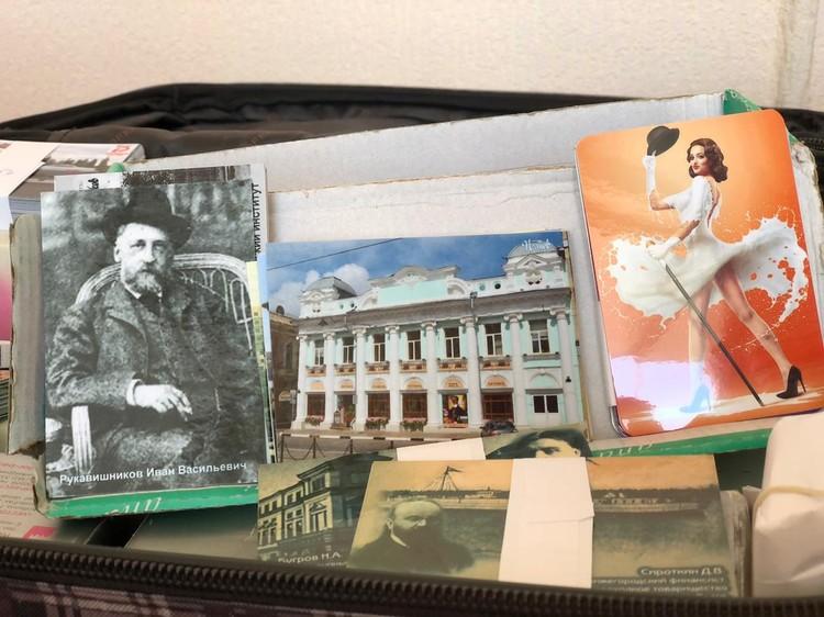 В коллекции Петра Анатольевича каких только календариков нет Фото: Никита Ильин