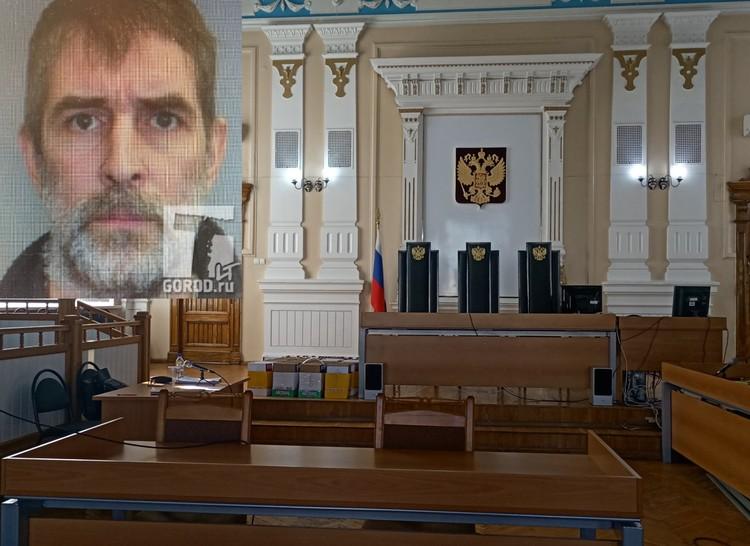 Владимир Сафронов (фото с сайта tltgorod) говорит, что не знает, почему его хотели убить