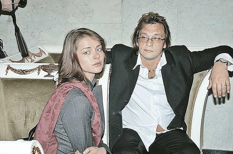 Расставшись с Домогаровым, Марина Александрова попала в объятия другого любителя выпить - Алексея Панина.