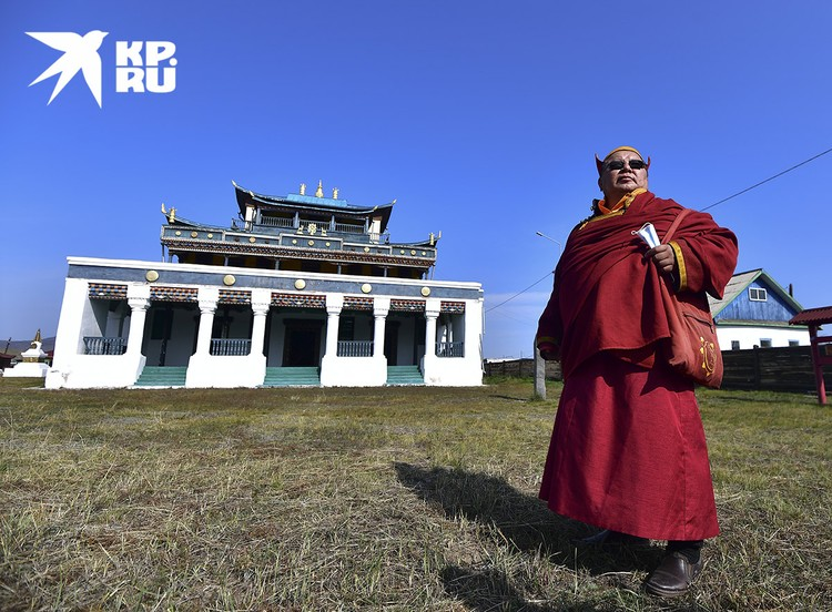 Тамчинский дацан и его настоятель - Солбон лама.