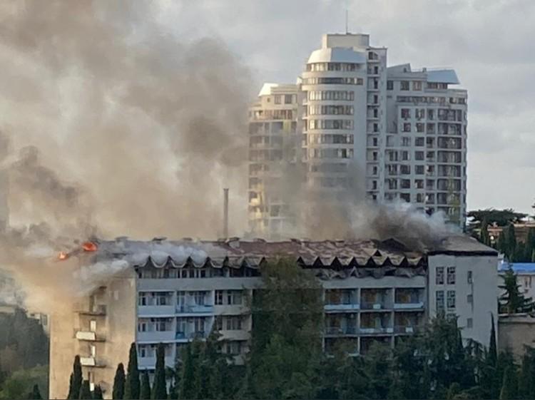 Возможная причина возгорания - короткое замыкание. Фото: МЧС РФ.