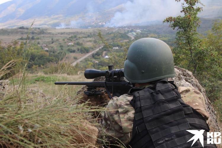 Продолжалась операция по выдавливанию азербайджанского отряда из Гудрута.
