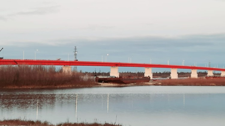 Мост через реку Пур