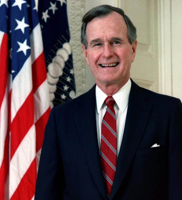 Перед тем, как стать 41-м президентом США Джордж Буш-старший сам был вице-президентом целых два срока подряд