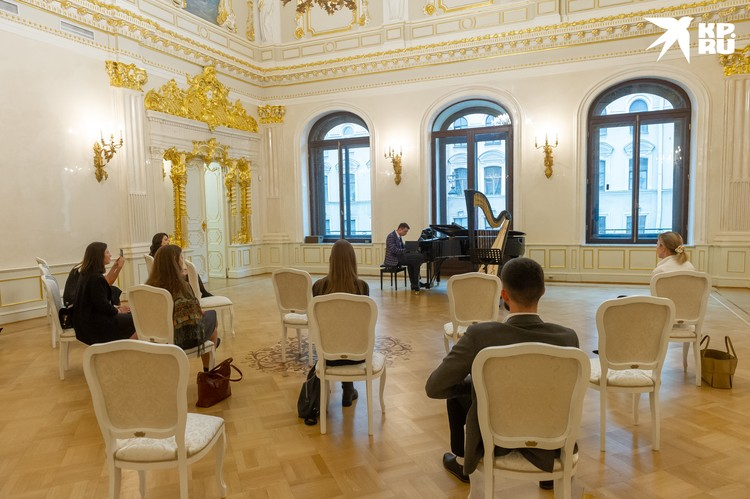 Концерты в особняки проходят в формате музыкального салона