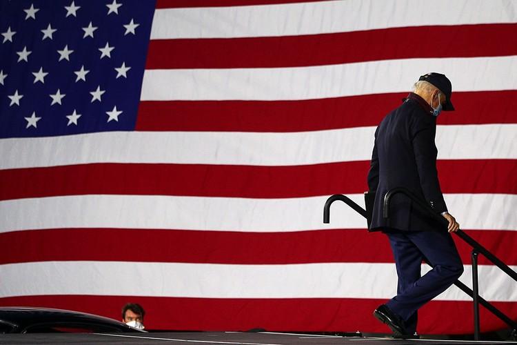 Байден, при условии выигрыша, войдет в Белый дом через несколько месяцев 78-летним старцем.